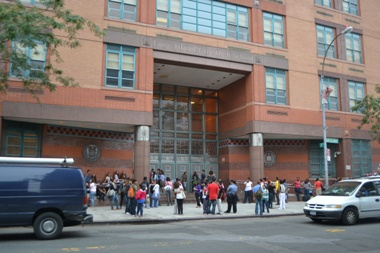 UFT sues to prevent school closings