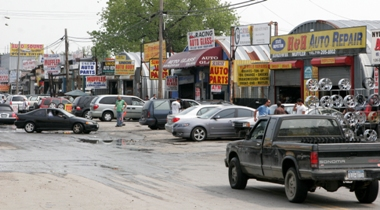Willets Point biz owners fighting for repairs, legal fees