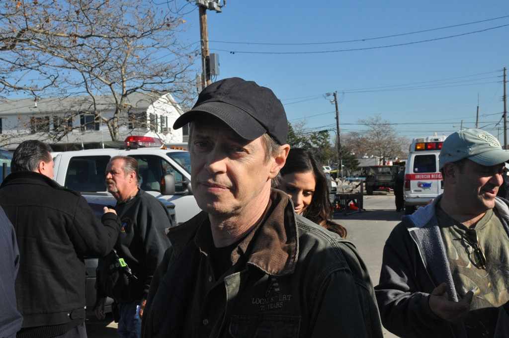 Former firefighter Steve Buscemi lends support to Rockaway first responders