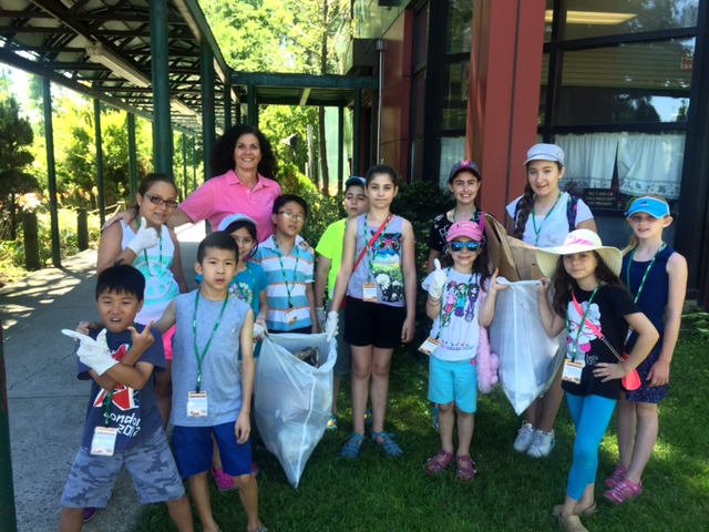 Alley Pond Park kids clear wetland debris