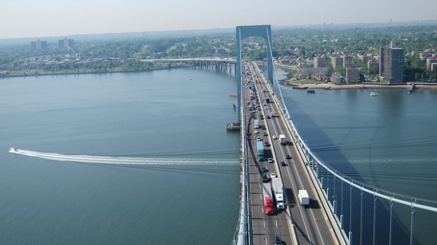 Weekend lane closures on the Throgs Neck Bridge