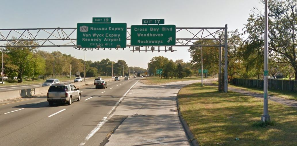 Motorcyclist dies after crashing his ride on the Belt Parkway in Howard Beach