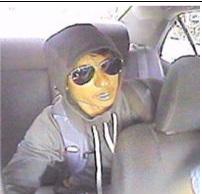 104-pct-robbery-2914-16-photo2