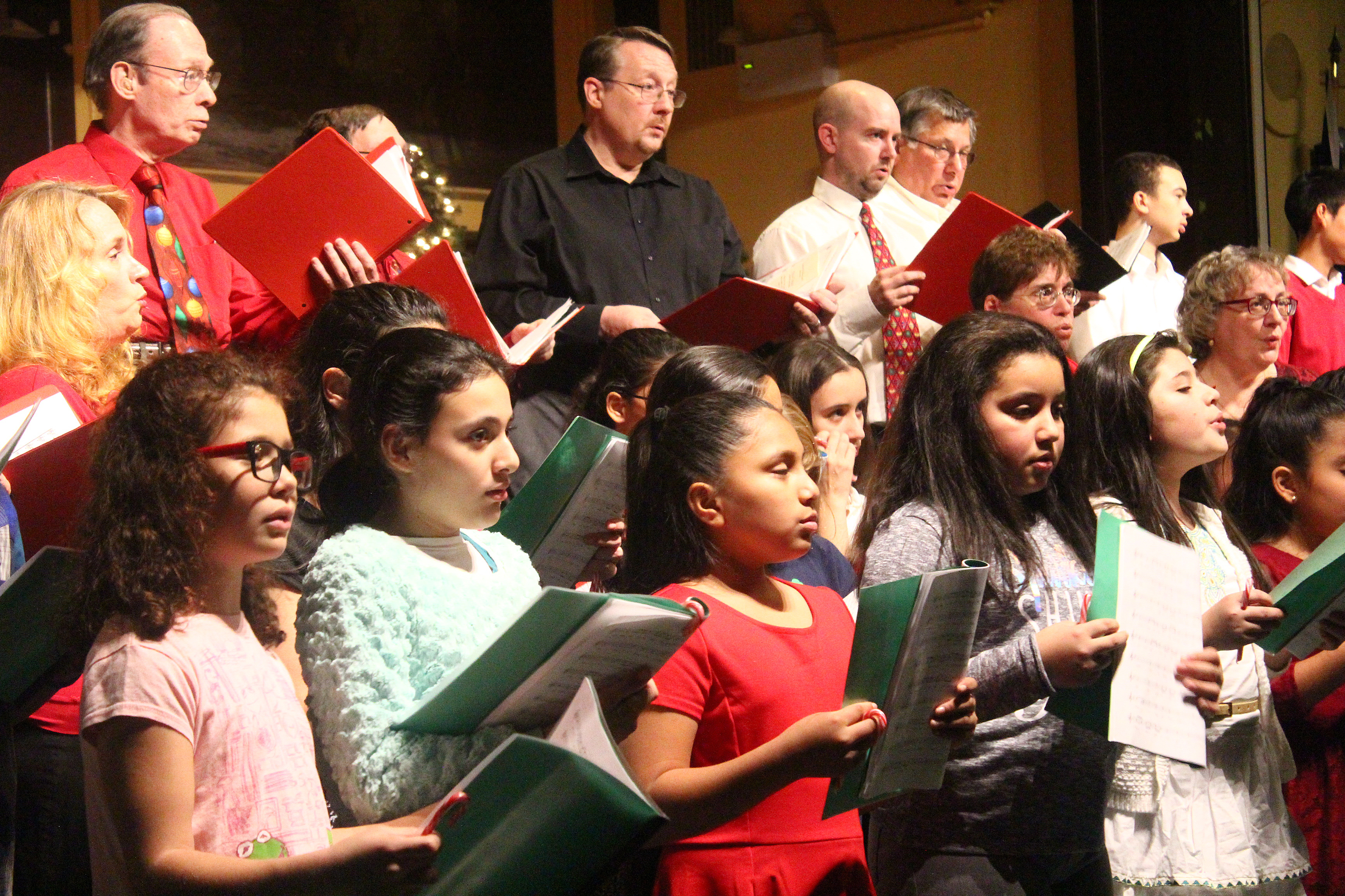 PHOTOS: Ridgewood rings in the holidays in style with a spectacular concert