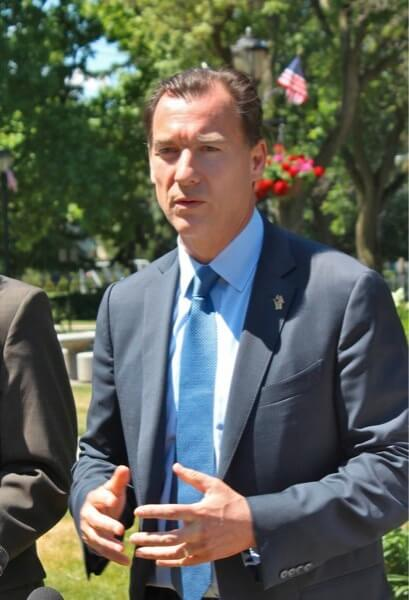 Suozzi takes over as co-chair of Congressional Quiet Skies Caucus