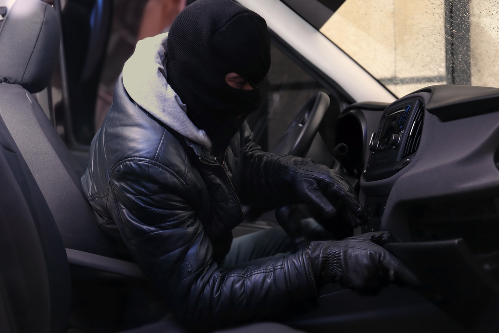 Thieves targeting cars for valuables in the middle of the night, Flushing-based precinct says