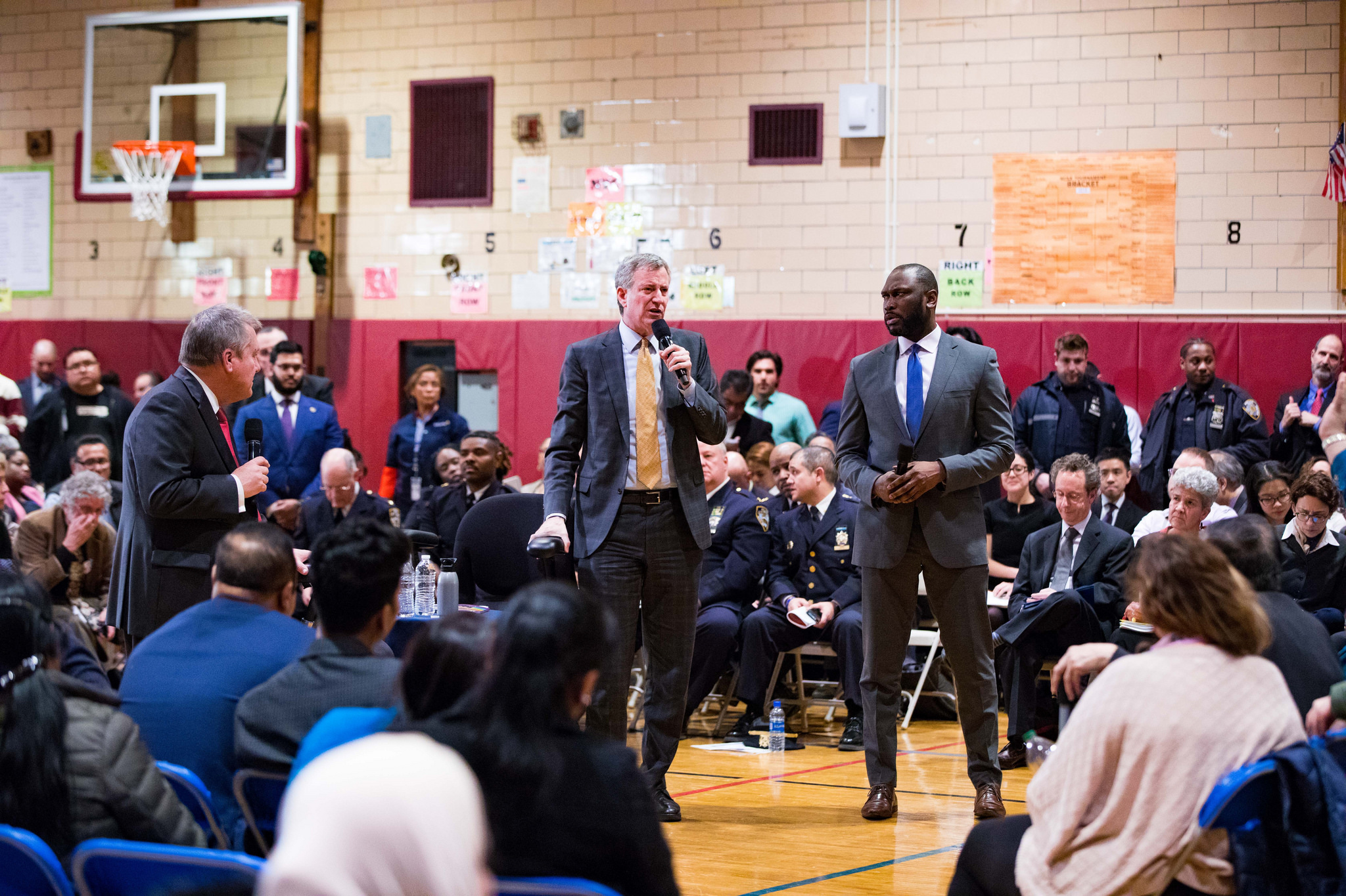 De Blasio announces new school, upgrades at Jackson Heights town hall meeting