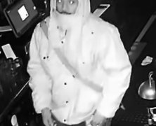 Man breaks into Astoria cocktail bar and steals more than $6,000: NYPD