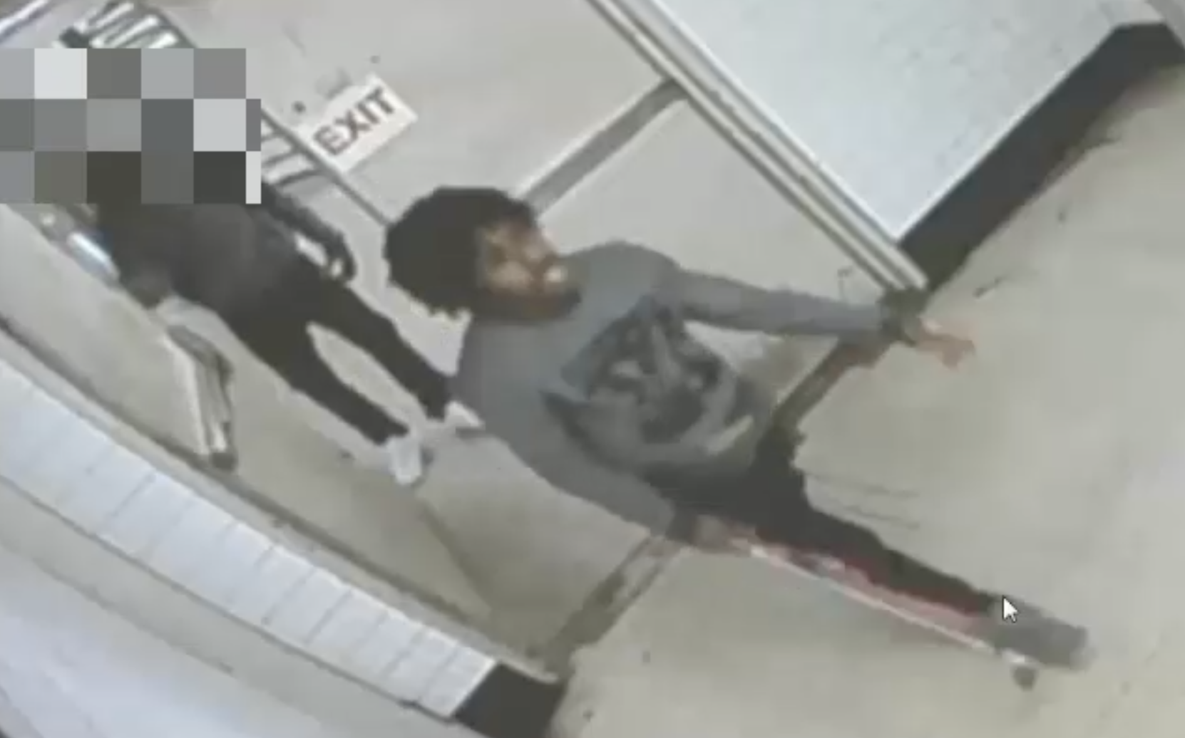Man punches MTA employee in Queens Plaza subway station and chases him with a golf club: NYPD